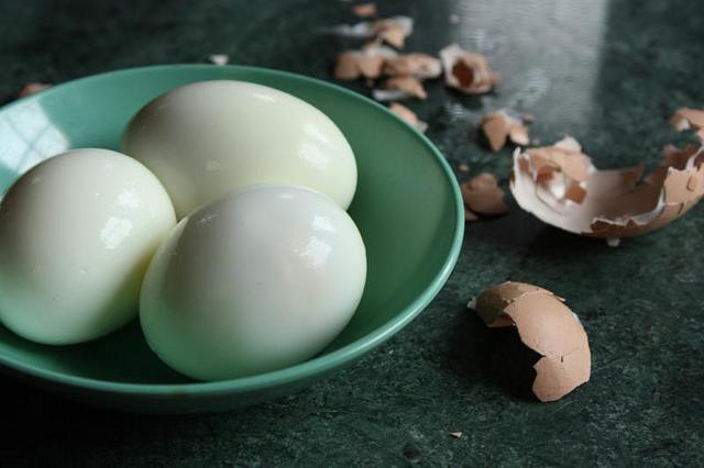 Gepelde eieren